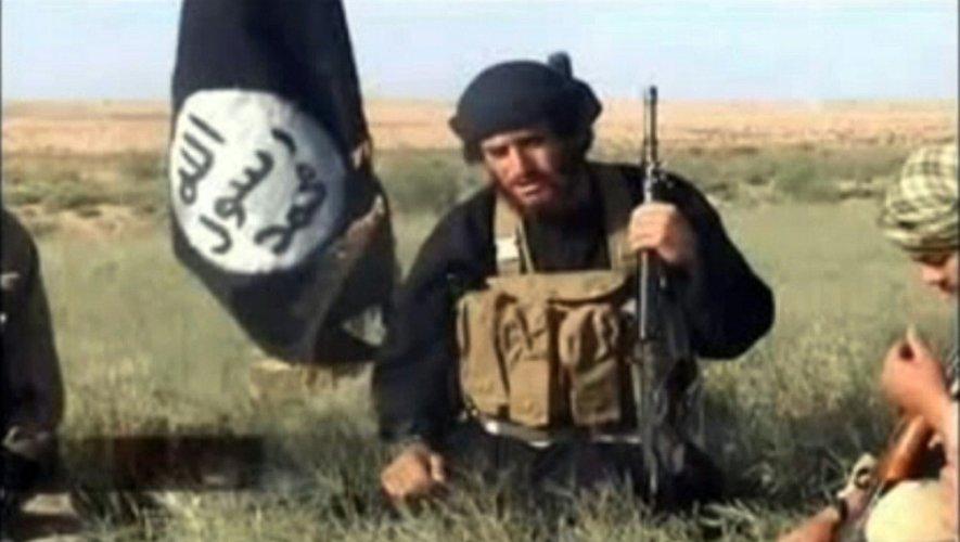 Capture d'écran d'une video postée le 8 juillet 2012 sur YouTube du porte-parole officiel de l'organisation EI, le syrien Abou Mohammed Al-Adnani