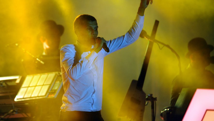 Le chanteur belge Paul Van Haver, alias Stromae, sur scène le 17 octobre 2015 à Kigali