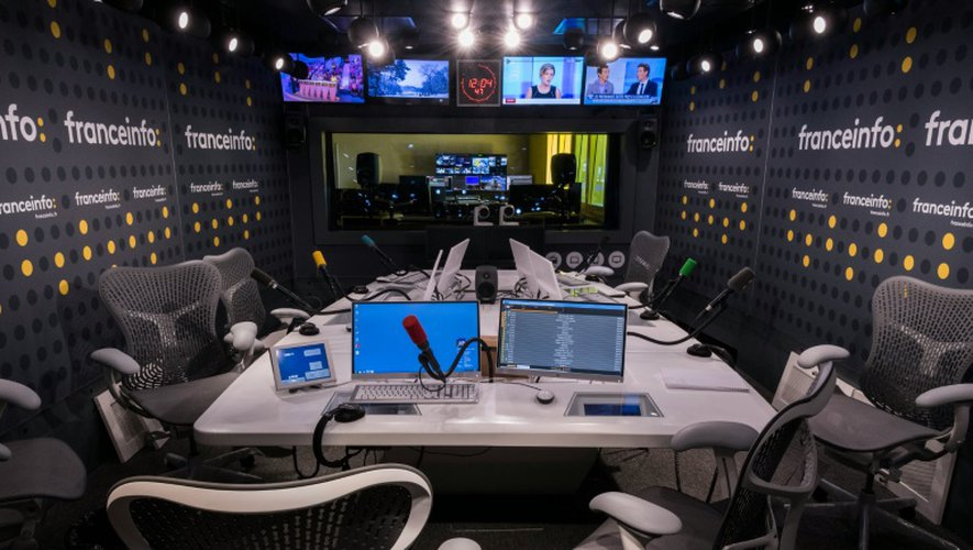 Les studios de la nouvelle chaîne publique d'information, franceinfo, le 26 août 2016 dans les locaux du siège de la Maison de la radio à Paris