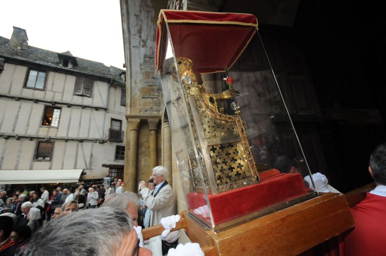 Conques : l'abbatiale reçoit un nouveau reliquaire de Sainte Foy