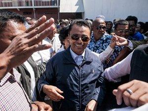 """Madagascar: Ravalomanana """"pas emprisonné"""" mais """"mis en sécurité"""""""