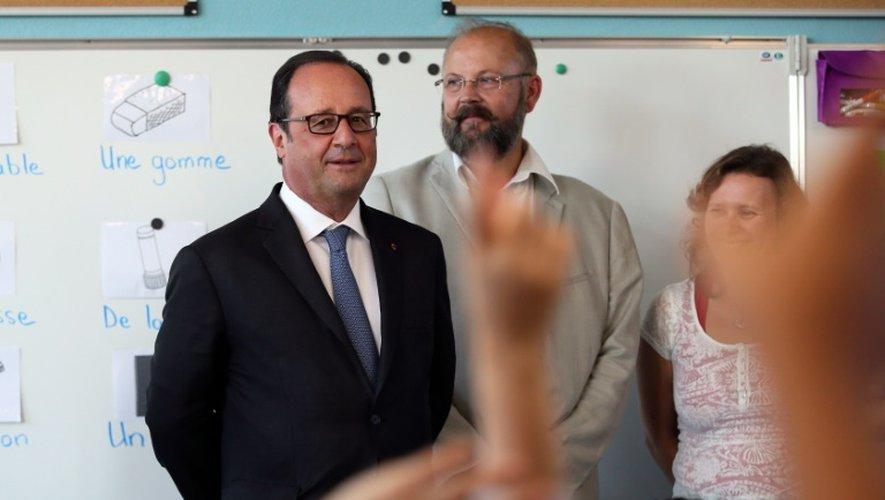 Le président François Hollande (g), le 1er septembre 2016 à Orléans
