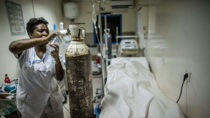 Un manifestant a succombé à ses blessures à l'hôpital de Libreville, le 1er septembre 2016