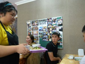 Kazakhstan: un café animé par des handicapés pour briser les tabous