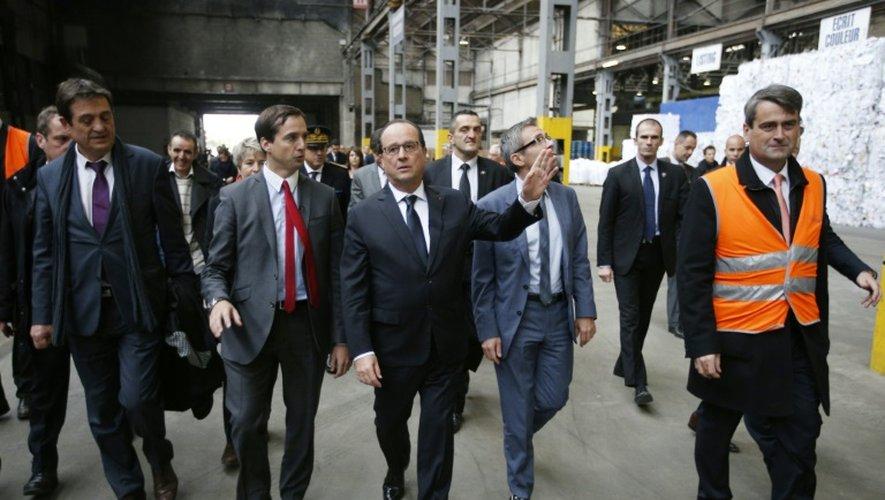 Chahuté à la Courneuve, Hollande plaide pour l'égalité des chances