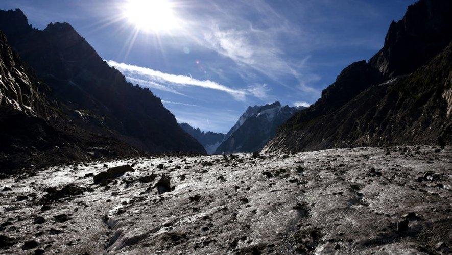 Vue sur la mer de Glace, le plus grand glacier français dans le Mont-Blanc dans les Alpes françaises, le 2 septembre 2016