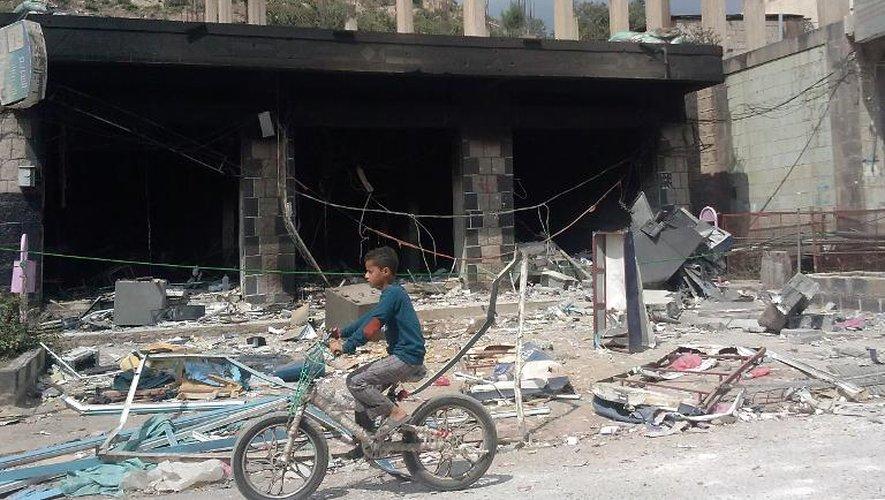 Yémen: 20 rebelles chiites tués dans un attentat et des combats avec Al-Qaïda