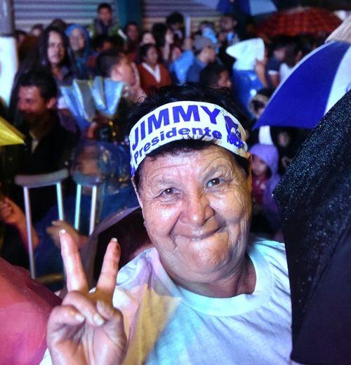 Un militante du parti du nouveau président du Guatemala, Jimmy Morales, le 25 octobre 2015 au soir de sa victoire, au second tour des élections