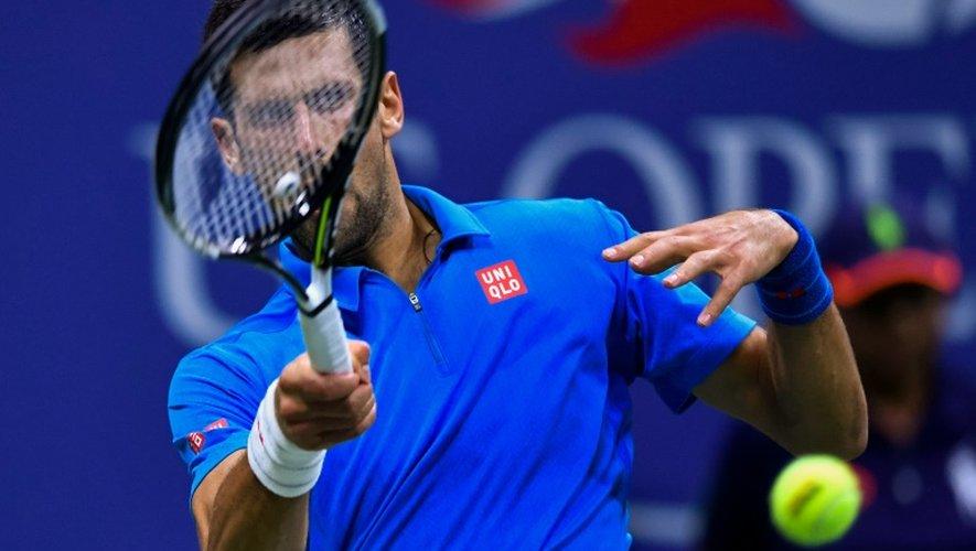 Le Serbe Novak Djokovic lors du match contre le Français Jo-Wilfried Tsonga en quarts de finale de l'US Open le 6 septembre 2016 à New York