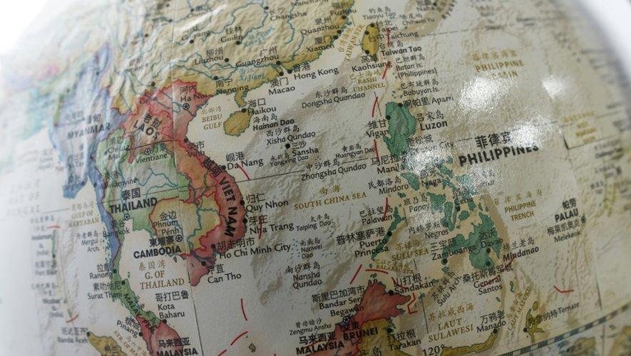 Partie du globe montrant la mer de Chine méridionale où, selon les Philippines, la Chine serait en train de construire secrètement une île