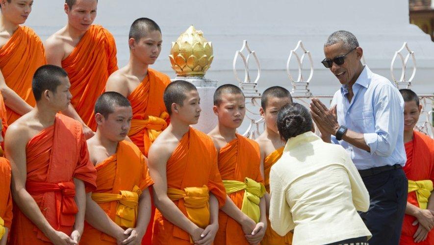 Le président Barack Obama visite un temple bouddhiste à Luang Prabang, le 7 septembre 2016