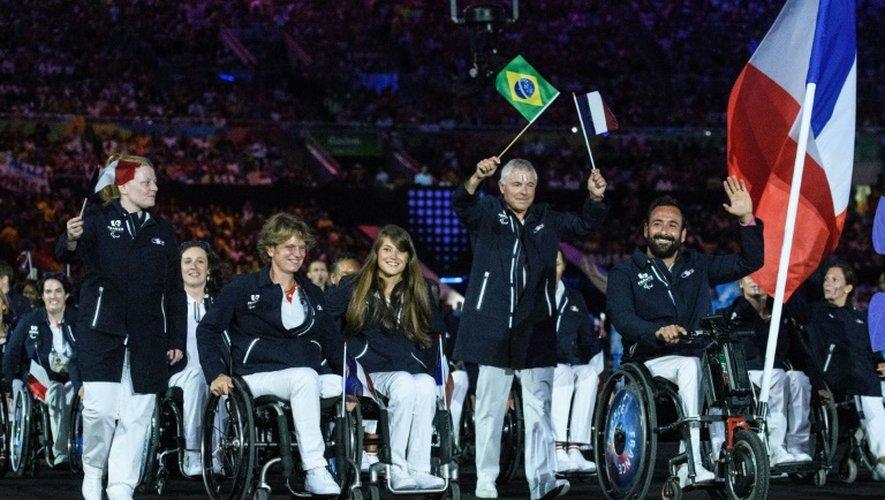 La délégation française lors de la cérémonie d'ouverture des jeux paralympiques le 7 septembre 2016 à Rio