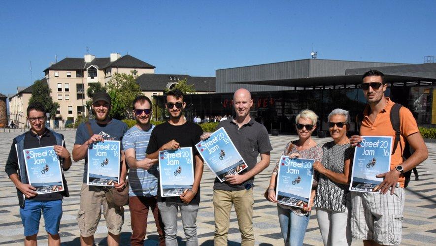 Les membres des différents collectifs de sports urbains de l'agglomération (Rodez, Onet, Luc) se sont réunis dans un même collectif pour peser plus fort dans le projet de réalisation d'un nouveau skate parc.