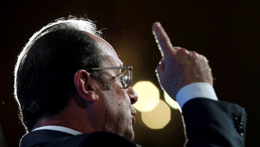 """François Hollande lors de son discours consacré à """"la démocratie face au terrorisme"""" le 8 septembre 2016 salle Wagram à Paris"""