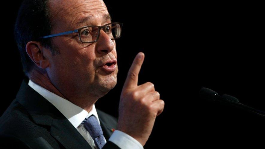 Le président Francois Hollande lors de son discours sur la démocratie et le terrorisme salle Wagram à Paris, le 8 septembre 2016