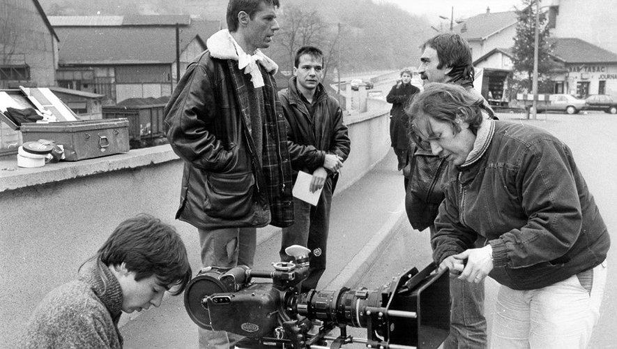 Tel que le montre ce cliché pris à Decazeville en 1985, lors du tournage du film «Bleu comme l'enfer», d'Yves Boisset, avec notamment Lambert Wilson, Tchéky Karyo, Myriem Roussel et Agnès Soral, le département et la région ont accueilli de nombreux cinéastes.