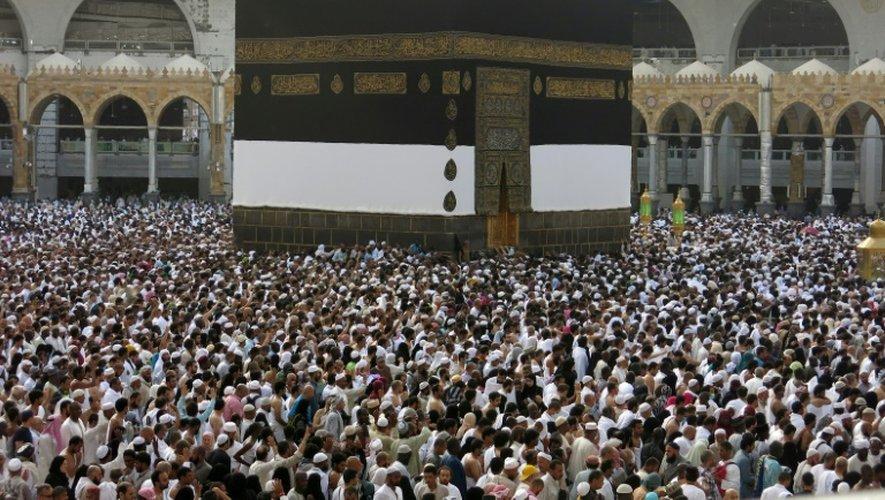 Des milliers de pèlerins musulmans rassemblées dans l'enceinte de la Grande Mosquée, le 9 septembre 2016 à La Mecque, en Arabie Saoudite