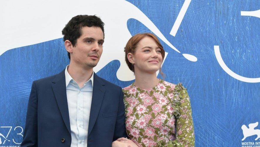 """L'actrice américaine Emma Stones et le réalisateur Damien Chazelle pour le film """"La la Land"""", le 31 août 2016 à la Mostra de Venis"""