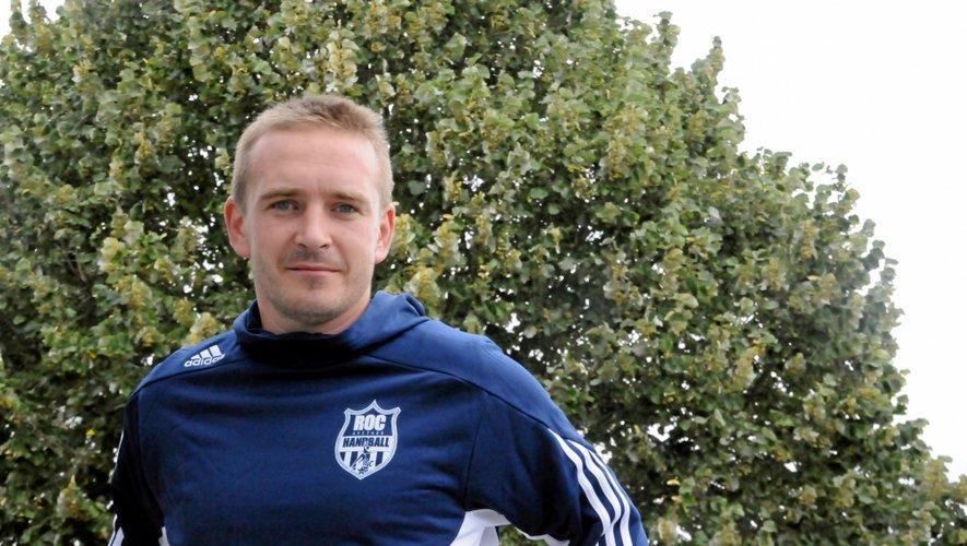 À 33 ans, celui qui est également en charge des -18 ans garçons et référent technique du club s'apprête à vivre sa première expérience d'entraîneur d'un groupe seniors.