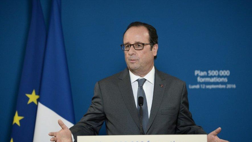 Le président François Hollande à Paris le 12 septembre 2016