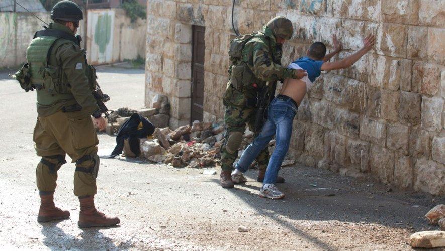Cisjordanie: attaque au couteau contre des policiers israéliens, un assaillant tué