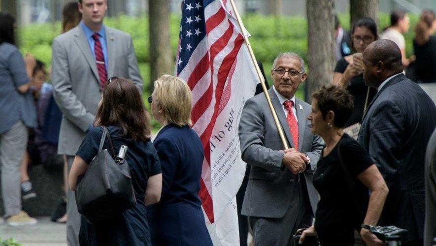 Hillary Clinton quitte les cérémonies commémoratives des attentats du 11-Septembre, le 11 septembre 2016 à New York