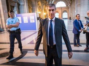 "Fraude fiscale: Cahuzac assure n'avoir ""pas menti"" à Hollande"