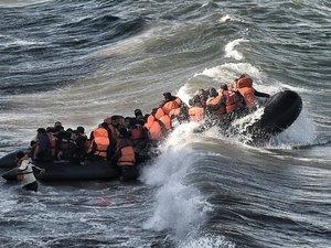 Migrants: record de 218.000 arrivées via la Méditerranée en octobre