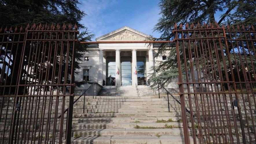 McDo : huit ans de réclusion requis contre les trois accusés