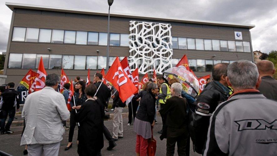 À Rodez, l'Unef, Unel, la FIDL, la CGT, Solidaires, FSU et FO se sont donné rendez-vous à Pôle emploi pour appeler à l'abrogation de la loi.
