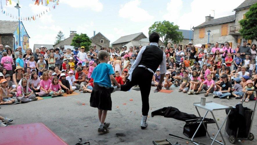 Depuis sa création en 2005 à Caplongue, le festival fait briller les yeux des enfants.