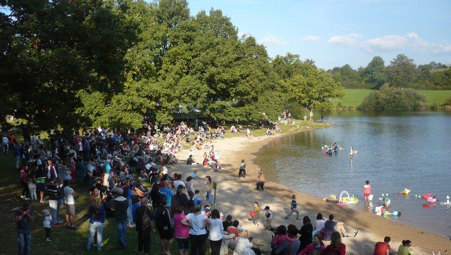 le Festival Ça déborde sur le Lévézou s'installera sur la plage des Vernhes au bord du lac de Pareloup en journée et à Salles Curan le samedi soir.
