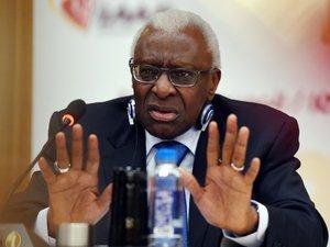 Dopage et corruption: l'ex-patron de l'athlétisme mondial, Lamine Diack, mis en examen