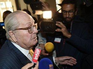 Soupçons de fraude fiscale: perquisition chez Jean-Marie Le Pen à Saint-Cloud