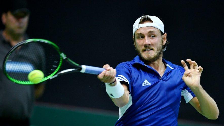 Le Français Lucas Pouille face au Croate Marin Cilic, en demi-finale de Coupe Davis, le 16 septembre 2016 à Zadar