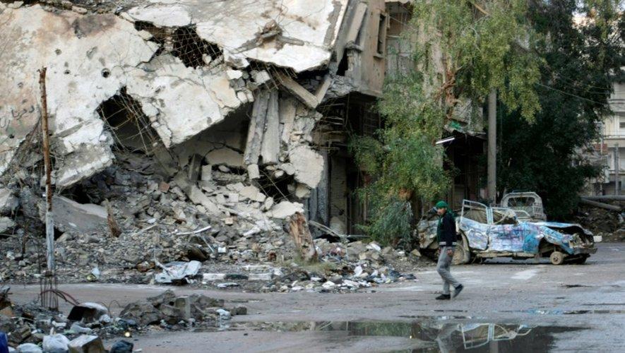 Syrie: sérieux revers du régime dans le centre, raid meutrier dans l'est