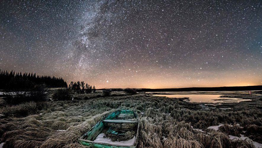 L'Aubrac sous un magnifique ciel étoilé. La photo de l'affiche de cette édition 2016.