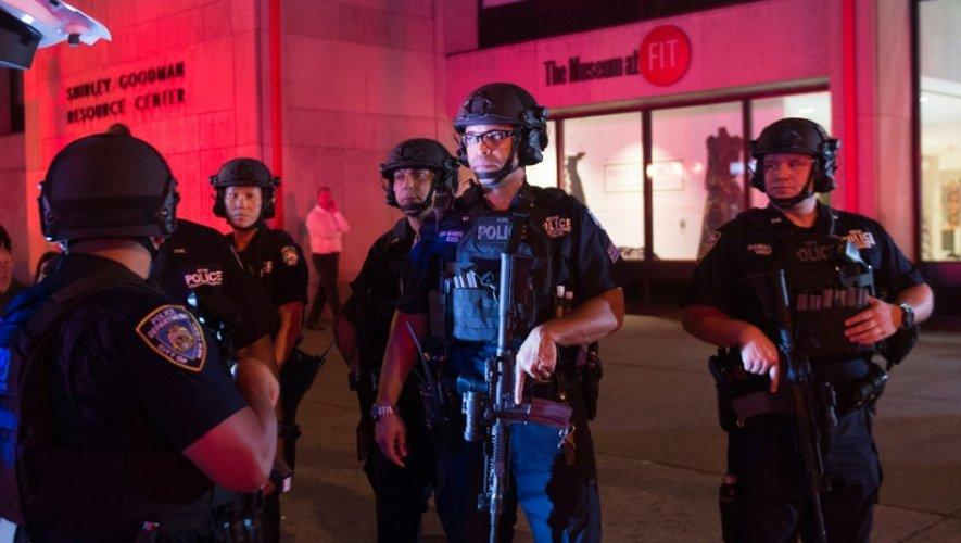 Des policiers mobilisés après l'explosion sur la 23e rue à New York le 17 septembre 2016