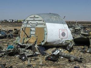"""Crash en Egypte: l'hypothèse d'un attentat à la bombe """"fortement privilégiée"""""""