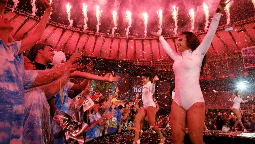 Des danseurs lors de la cérémonie de clôture des Jeux Paralympiques au stade du Maracana, le 18 septembre 2016 à Rio