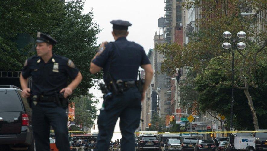 Des policiers sur les lieux d'une explosion, le 18 septembre 2016 à New York
