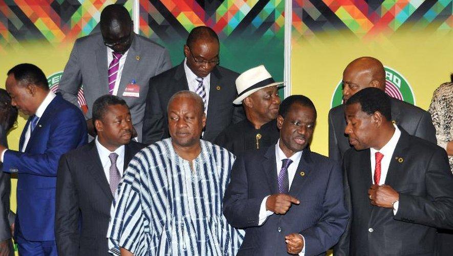 Réunion des chefs d'Etat et de gouvernement au sommet de la Cédéao, le 6 novembre 2014 à Accra, au Ghana