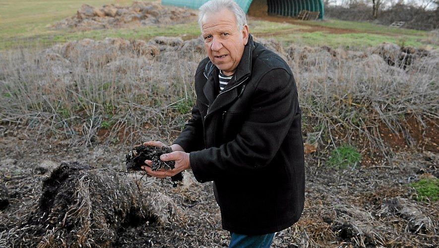 «Dans les années 2050, on fertilisera les sols uniquement avec des micro-organismes», affirme Marcel Mézy.
