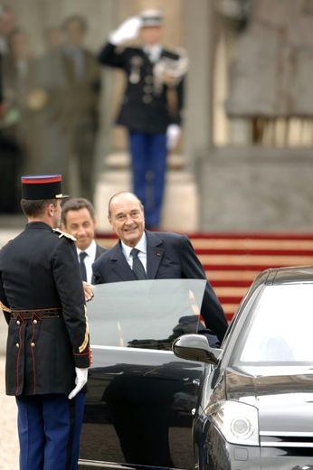 Jacques Chirac quitte le palais de l'Elysée, le 16 mai 2007, à Paris