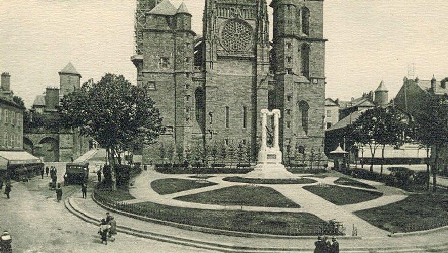 Le monument a changé plusieurs fois de place depuis son inauguration, le 28 juin 1925.
