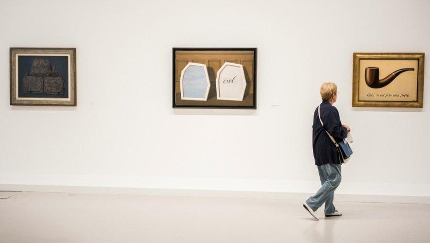 """Le philosophe Michel Foucault publiera en 1973 un ouvrage intitulé """"Ceci n'est pas une pipe"""", emprunt au tableau le plus célèbre de Magritte, exposé ici le 20 septembre 2016 au Centre Pompidou à Paris"""
