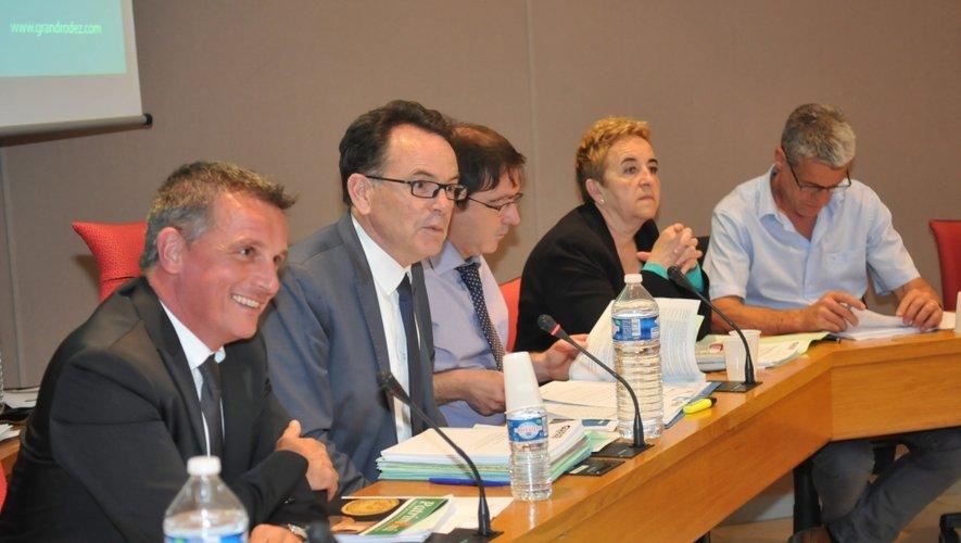 Jean-Philippe Sadoul et Christian Teyssedre, en conseil d'agglomération.