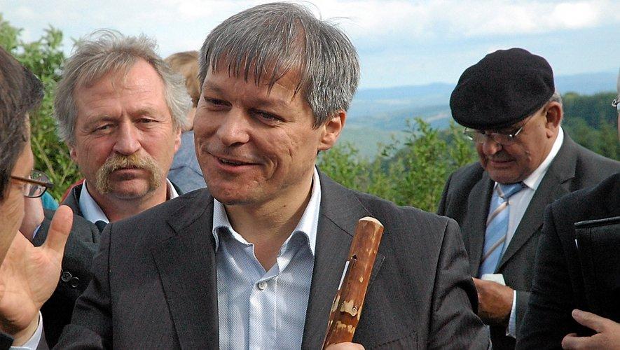 Ici en compagnie de José Bové et Jacques Bernat, était venu en Aveyron en juin 2010.