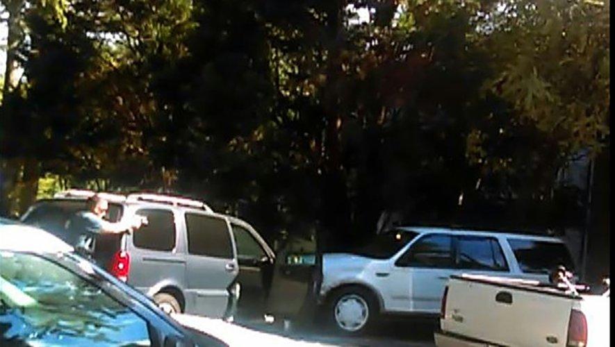 Capture d'écran de la vidéo réalisée par Rakeyia Scott, l'épouse de de Keith Lamont Scott, montrant les circonstances de sa mort le 21 septembre 2016 à Charlotte