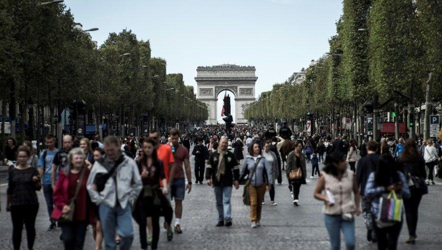 L'avenue des Champs-Elysées réservée aux piétons, le 25 septembre 2016 à Paris